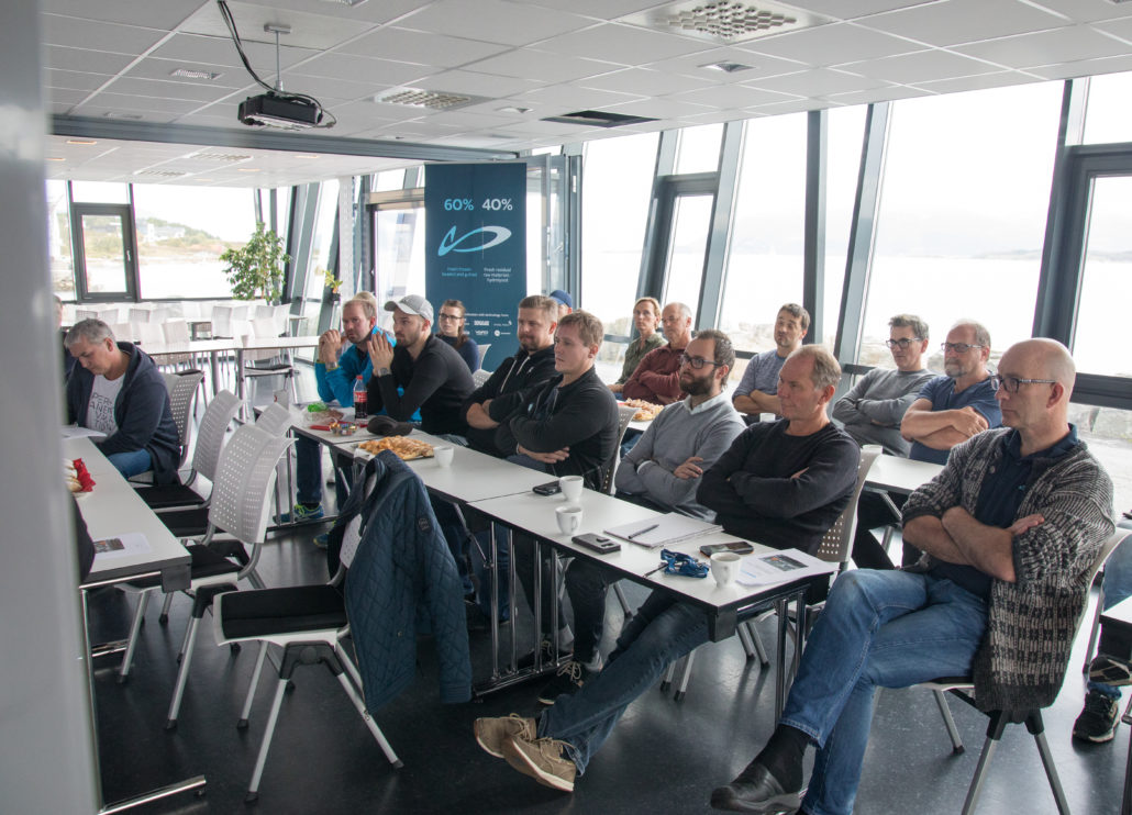 Presenting the results to the crew on board the trawler Molnes during the experiments and others from Nordic Wildfish. Photo: Nordic Wildfish, Anders Bjørnerem